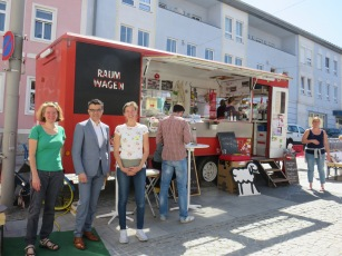 STR Barbara Löffler, Stv:Obmann Aktive Wirtschaft Günther Frank (Modehaus Frank) Gerlinde von Bio Garten Sterkl